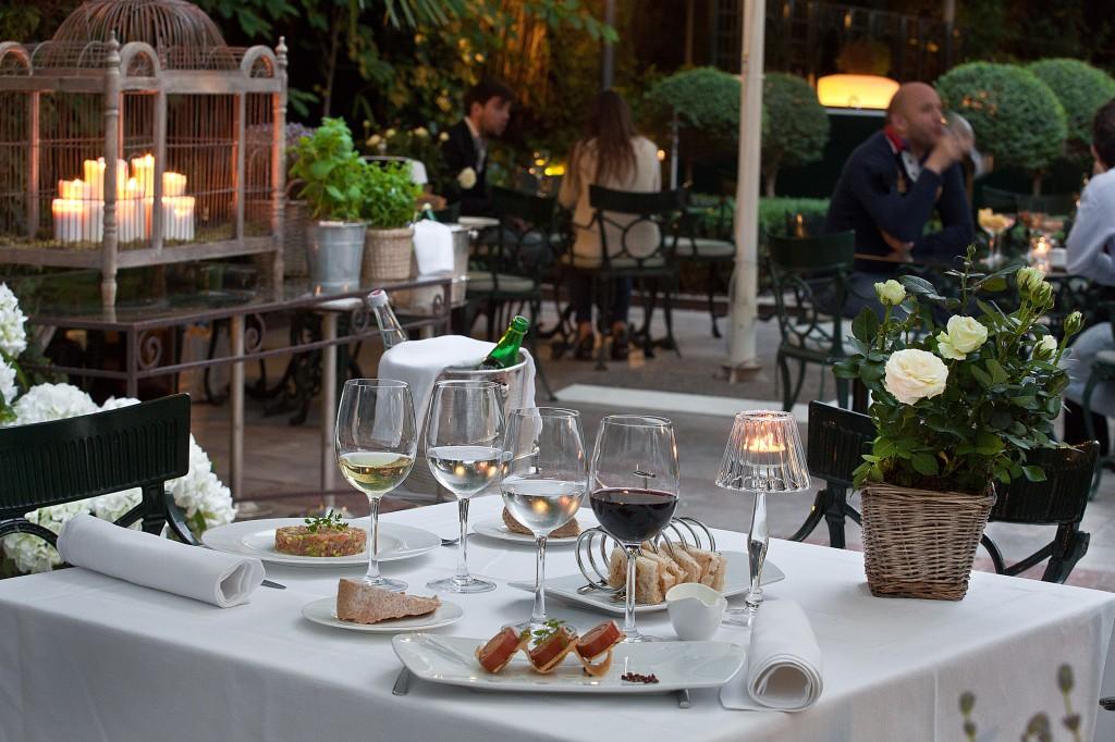 hotel santo mauro madrid jardin terraza
