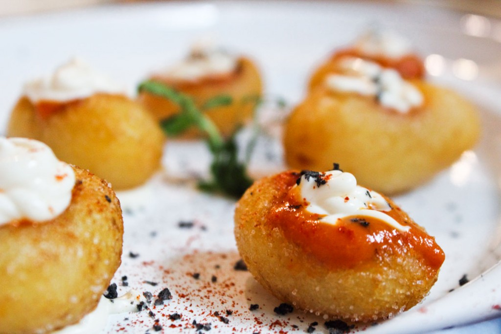 Patatas bravas La Emualda