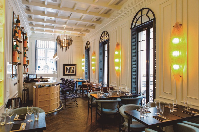 Los mejores restaurantes de hoteles chic and cheap madrid for Hoteles chic en madrid
