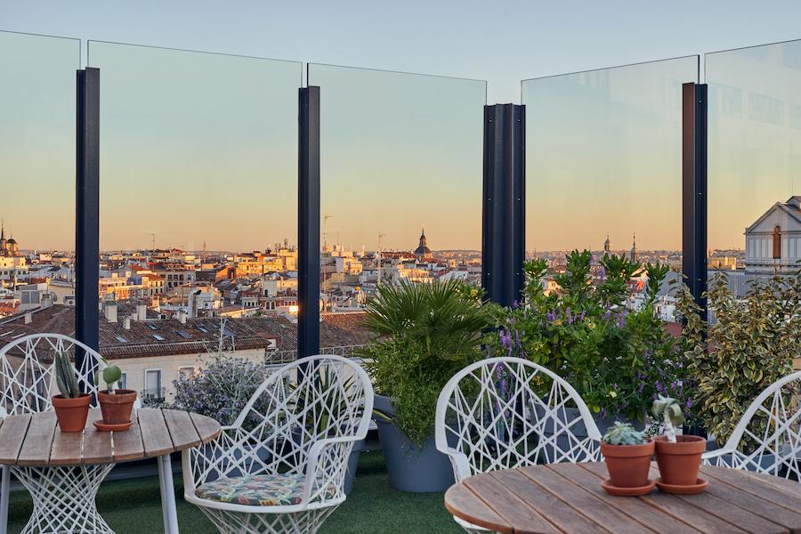 Generator, terraza y hostel de moda en Madrid con la Gran Vía a sus pies