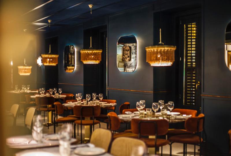 Café Comercial, uno de los mejores restaurantes para Nochebuena y Nochevieja: Navidad 2019 / 2020 en Madrid