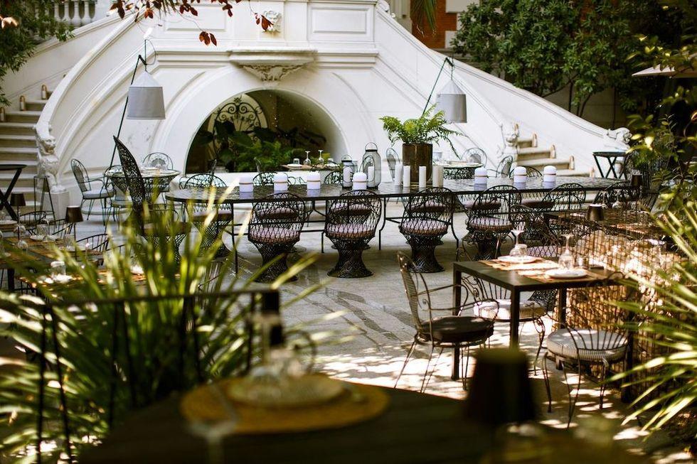 Raimunda, una de las terrazas con encanto en Madrid abiertas desde la Fase 1